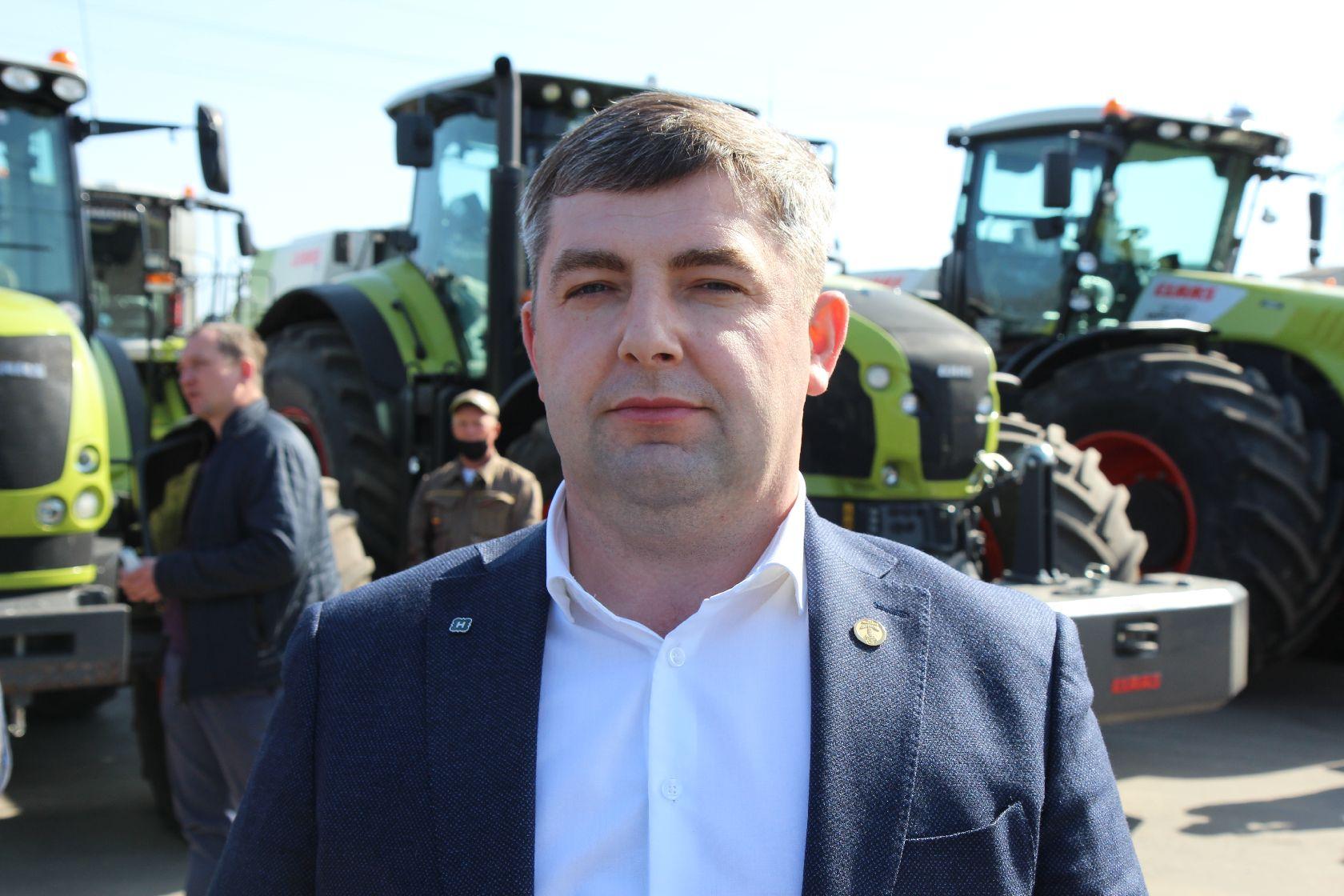 заместитель председателя ЗАО племзавод «Ирмень» по растениеводству, главный агроном Максим Альберт