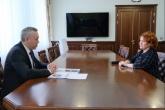 Губернатор Андрей Травников в День защиты детей провёл рабочую встречу с детским омбудсменом Надеждой Болтенко