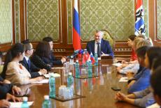 Андрей Травников встретился с молодыми предпринимателями из Новосибирской области и Китая