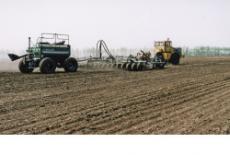 Рекордные 115 тысяч гектаров за день засеяны новосибирскими аграриями