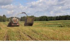 Почти 2 тысячи сельхозмашин и агрегатов приобретено сельхозпроизводителями региона с начала года