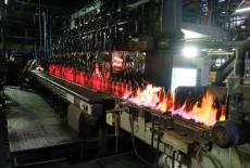 Губернатор Андрей Травников оценил ход реконструкции цеха производства стеклотары с использованием средств господдержки