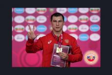 Андрей Травников поздравил новосибирского борца Романа Власова с победой на чемпионате Европы