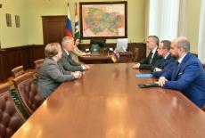 Глава Новосибирской области Андрей Травников провел встречу с Генконсулом ФРГ в Новосибирске Виктором Рихтером