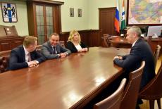 Губернатор Андрей Травников провёл рабочую встречу с представителями Сбербанка