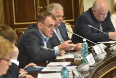 Андрей Травников вместе с учеными рассмотрел проекты по программе развития Новосибирского научного центра