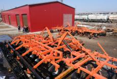 Губернатор Андрей Травников: Новосибирские промышленники расширяют выпуск новых видов техники – даже в сегодняшних условиях