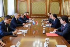 Губернатору Андрею Травникову представили нового консула Республики Таджикистан в Новосибирске
