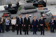 Губернатор поздравил коллектив Новосибирского авиаремонтного завода с расширением производства