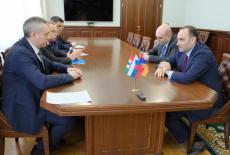 Губернатор Андрей Травников провёл рабочую встречу с Послом Армении в России Варданом Тоганяном