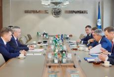 Губернатор Андрей Травников и председатель правления Газпромбанка Андрей Акимов обсудили реализацию социальных и транспортных проектов в регионе