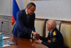 В Правительстве региона состоялось чествование Героя Советского Союза Александра Анцупова