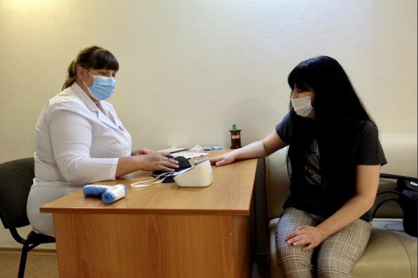 Медики региона вакцинировали уже более половины железнодорожников Новосибирской области