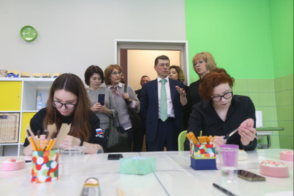 Министр труда и социальной защиты Максим Топилин обсудил с врио Губернатора Андреем Травниковым демографическую ситуацию в регионе