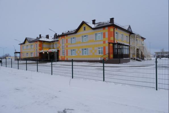 Губернатор Андрей Травников открыл новый детский сад в Каргатском районе