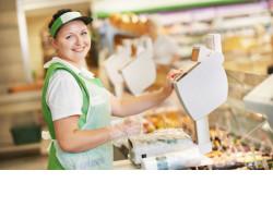 Вкусно, красиво и много: торговая отрасль региона ежедневно обеспечивает товарами и услугами около 2,6 млн человек