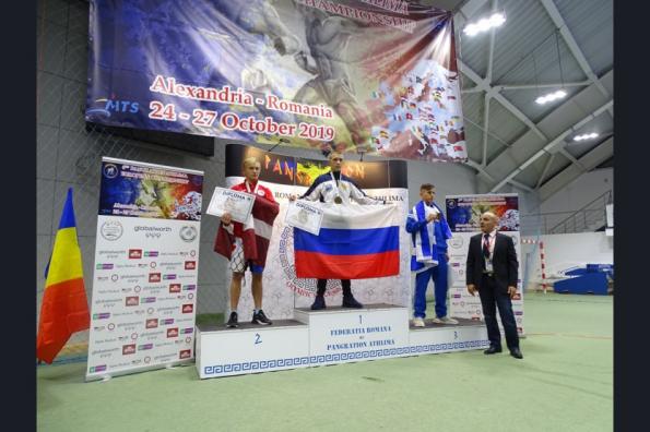 Студент из Новосибирской области стал чемпионом Европы по панкратиону