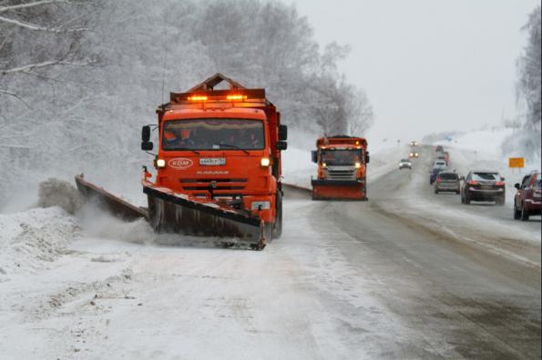 Свыше 1000 единиц снегоуборочной техники готовы выйти на областные дороги в случае непогоды