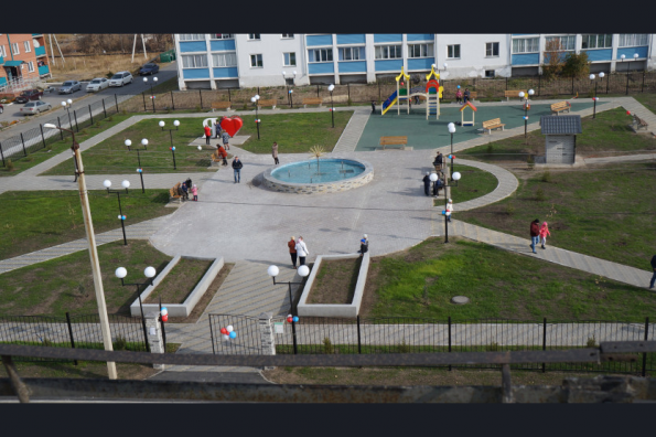 Новый парк с памятным самолетом и световым фонтаном благоустроен в Купино в рамках нацпроекта