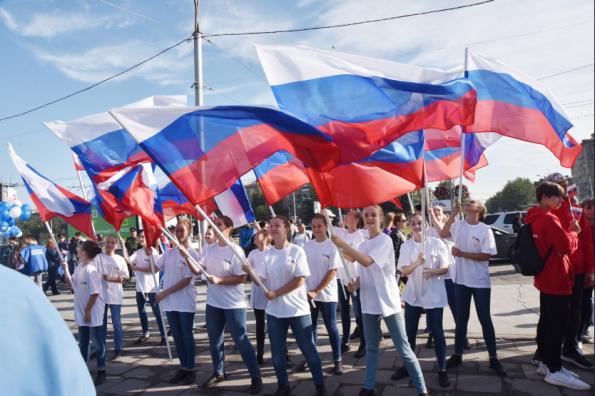 Новосибирская область отмечает День Государственного флага Российской Федерации
