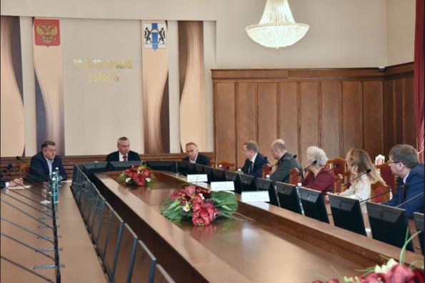 Андрей Травников провёл рабочую встречу с лидерами партий, прошедших в Законодательное Собрание