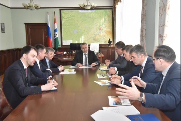 Губернатор обсудил с руководством АО «Синара – Транспортные Машины» вопросы обновления парка электротранспорта в регионе