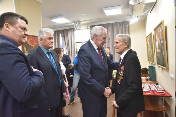 В Новосибирской области ветеранам вручены первые юбилейные медали «75 лет Победы в Великой Отечественной войне»