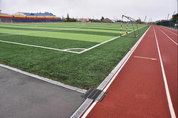 Андрей Травников в Чулымском районе проконтролировал развитие спортивной инфраструктуры и готовность к зиме