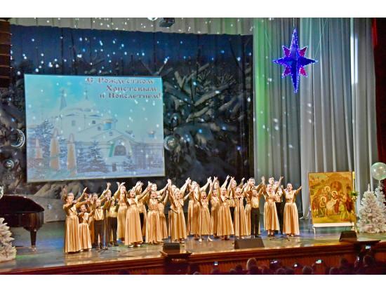 Врио Губернатора Андрей Травников поздравил гостей Рождественской елки с праздником Рождества