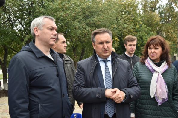 Губернатор Андрей Травников поручил направить дополнительные средства на ремонт дорог в Колывани