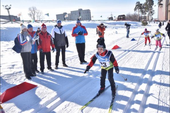Губернатор дал старт спортивному празднику «Лыжня зовет!»