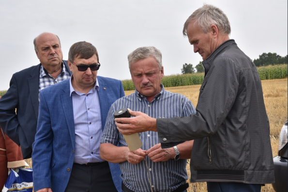 Более 100 сельхозпроизводителей Новосибирской области приступили к уборке урожая этого года