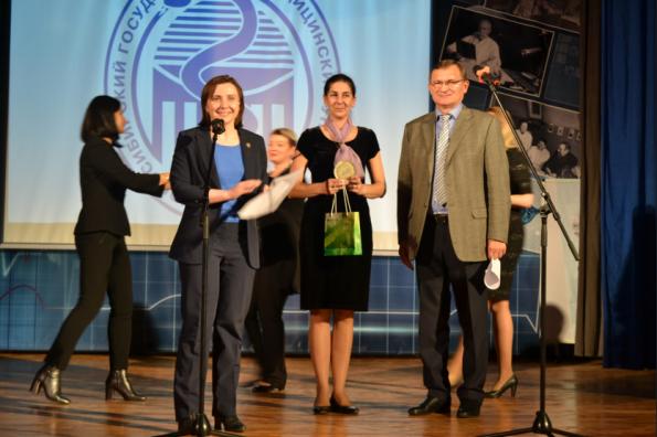 Рождественский фестиваль творчества медицинских работников Новосибирской области прошел при поддержке регионального минздрава