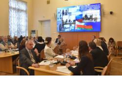 Делегация Новосибирской области начала работу на VI Форуме регионов России и Беларуси