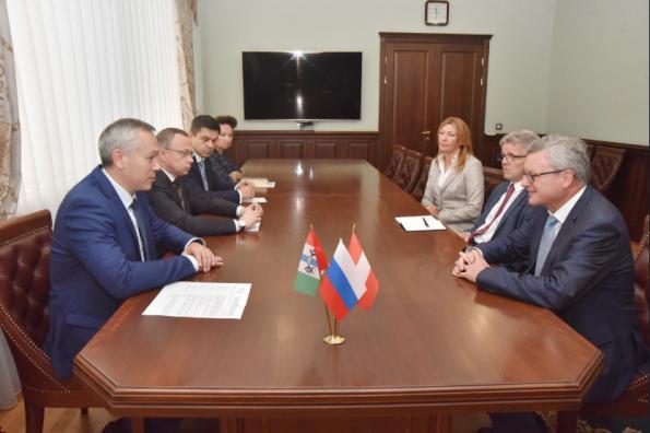 Андрей Травников провёл рабочую встречу с Послом Австрии в России Йоханнесом Айгнером