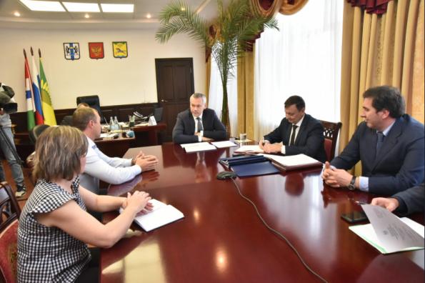 Губернатор провёл личный приём жителей Карасукского района