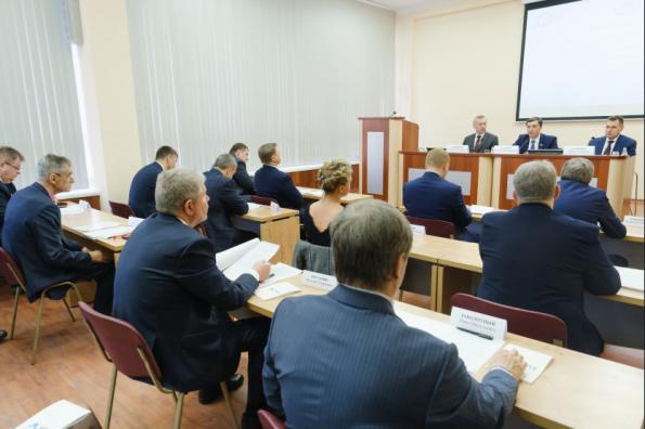 Губернатор Андрей Травников обсудил с делегацией Государственной Думы приоритеты развития радиоэлектроники