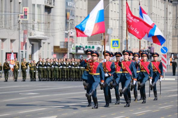 Прямую трансляцию Парада Победы на площади Ленина в Новосибирске посмотрели более полумиллиона человек