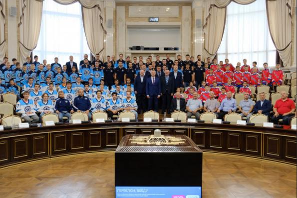 Губернатор Андрей Травников поставил задачу хоккейной «Сибири» на новый сезон
