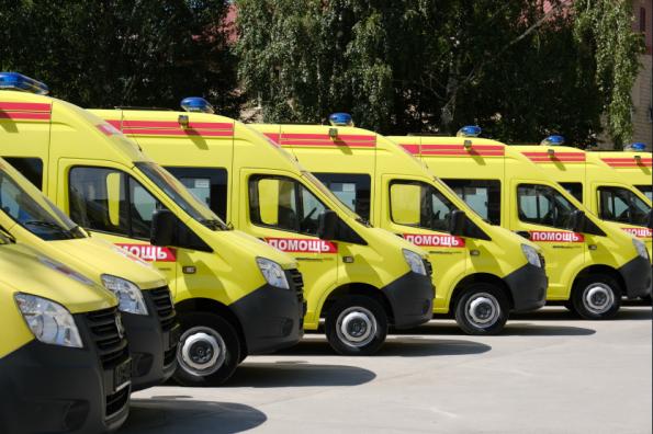 Новые машины скорой помощи получила Новосибирская область для борьбы с коронавирусом