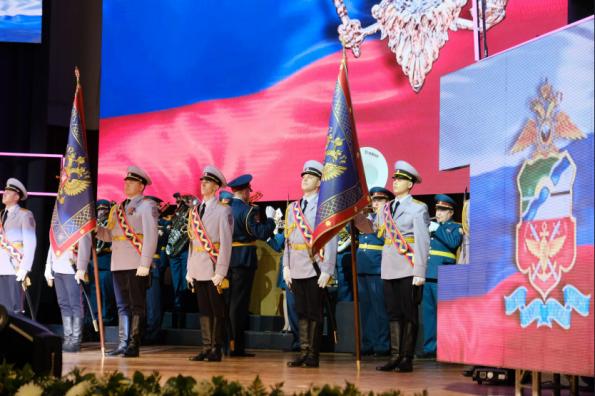 Губернатор поздравил сотрудников органов внутренних дел РФ по Новосибирской области с наступающим профессиональным праздником