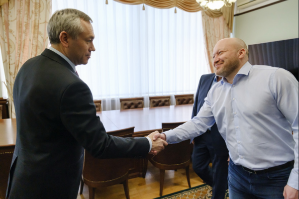 Губернатор Андрей Травников поставил задачу на сезон новому главному тренеру хоккейной «Сибири»