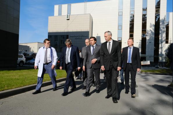 Медицинские разработки сибирских ученых представлены делегации Министерства здравоохранения РФ