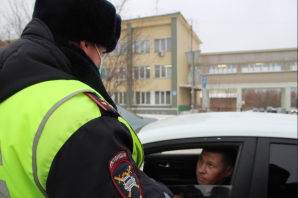 Проверки такси в период противодействия коронавирусу прошли в Новосибирской области