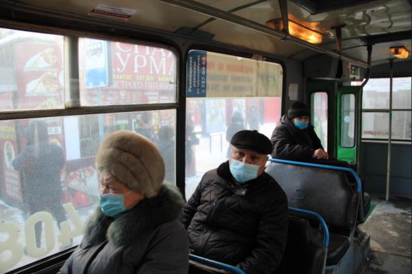 Два автобуса сняли с линии в ходе рейда областного минтранса по соблюдению масочного режима