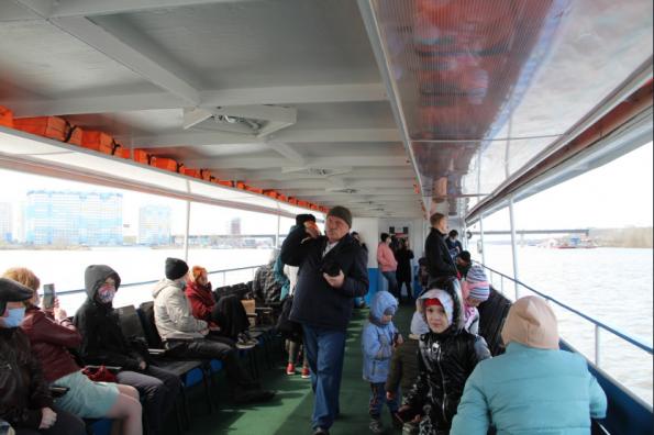 Транспорт и туризм: в Новосибирской области открылась навигация на реке Обь
