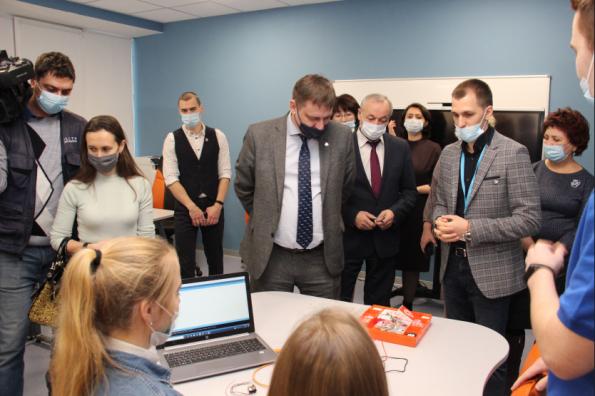 Уникальный центр для обучения детей программированию открылся в Новосибирской области
