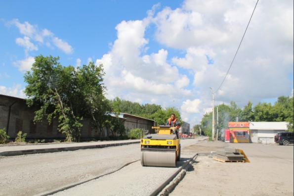 По новому тротуару пойдут в школу дети в Оби благодаря нацпроекту БКД 2.0