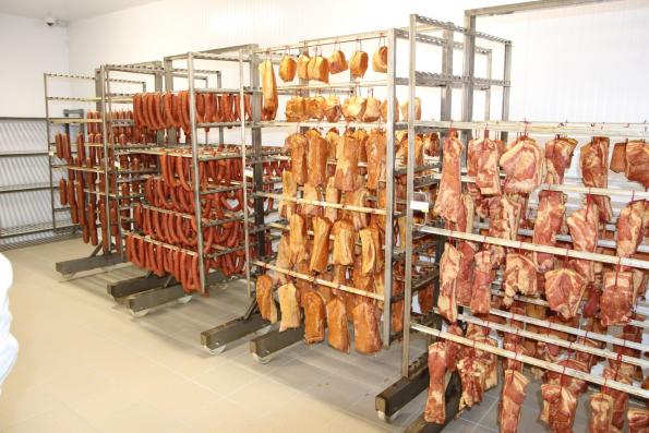 «Лента»: фирменные колбасы и мясные деликатесы
