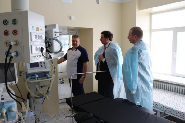 Министр здравоохранения региона Константин Хальзов проинспектировал качество ремонта Барабинской ЦРБ
